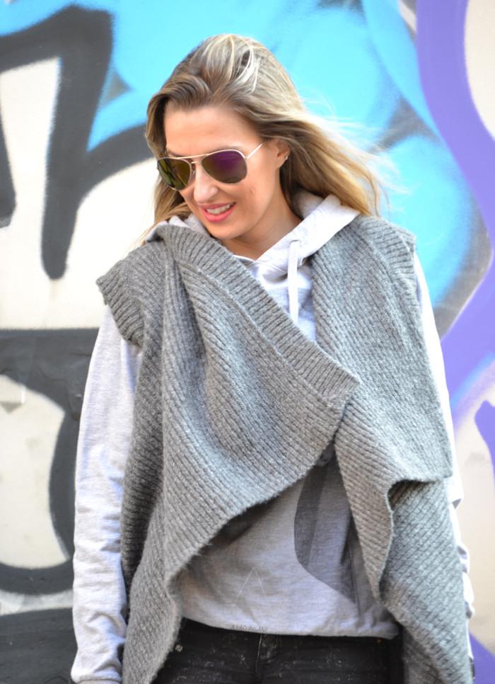 Wool_Vest_Amazona_Loewe_Booties_Skinny_Jeans_Ray_Ban_Hublott_Eleven_Paris_Lara_Martin_Gilarranz_Bymyheels. (8)