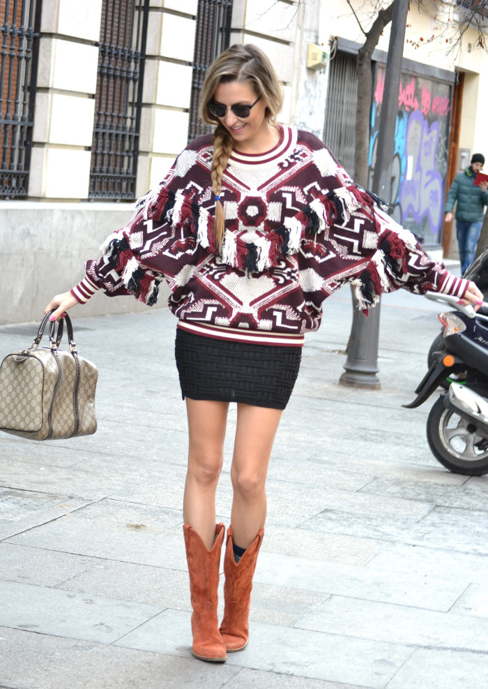Aztec_Print_Sweater_Zara_Clubmaster_Ray_Ban_Botas_Boston_Bag_Gucci_Falda_Negra_Lara_Martin_Gilarranz_Bymyheels (3)
