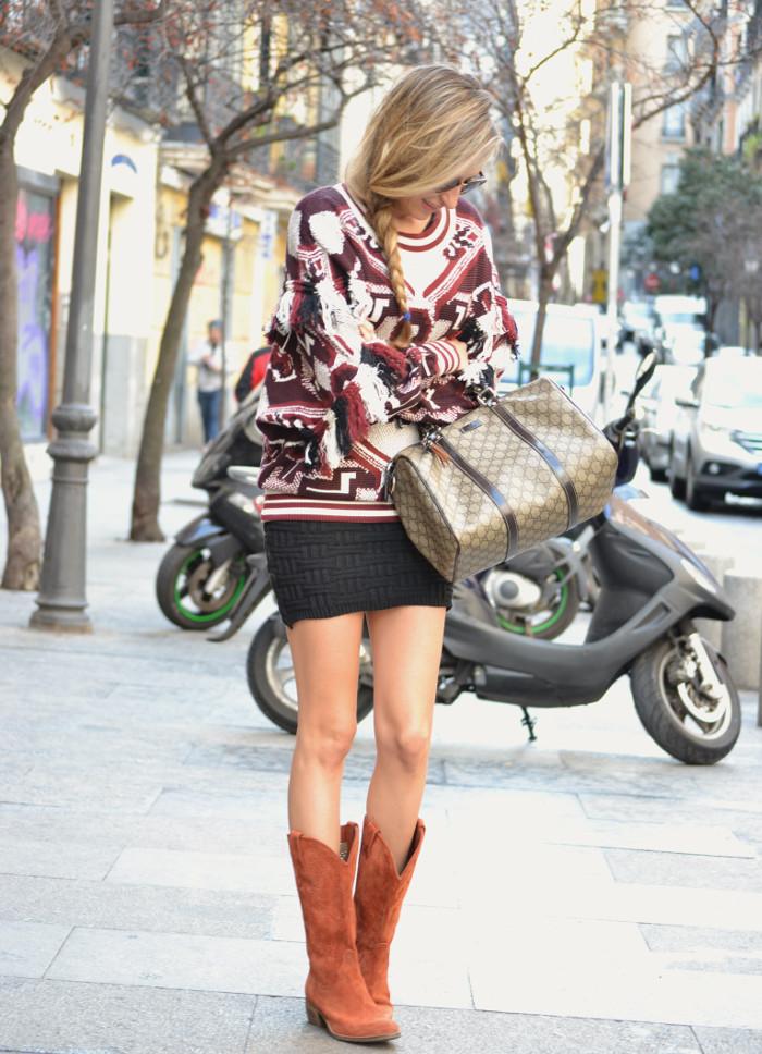 Aztec_Print_Sweater_Zara_Clubmaster_Ray_Ban_Botas_Boston_Bag_Gucci_Falda_Negra_Lara_Martin_Gilarranz_Bymyheels (8)