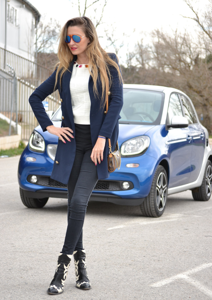 Blue_Smart_ForFour_For_Four_Lara_Martin_Gilarranz_Bymyheels (1)