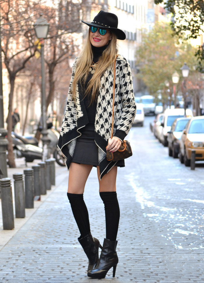 Chaqueta_Pata_Gallo_Falda_Tablas_Sombrero_Gafas_Espejo_Mini_Speedy_Louis_Vuitton_Over_The_Knee_Lara_Martin_Gilarranz_Bymyheels (2)