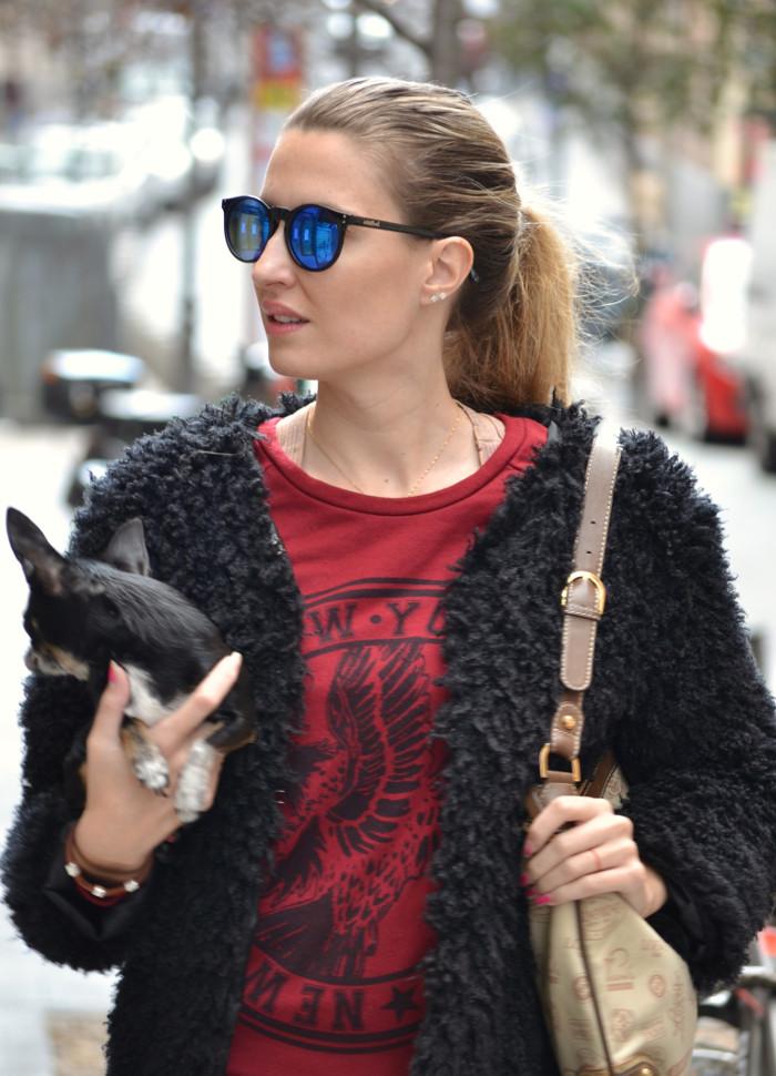 Long_Skirt_Coat_Mirror_Sunnies_Sweatshirt_Lara_Martin_Gilarranz_Loewe_Bymyheels (1)