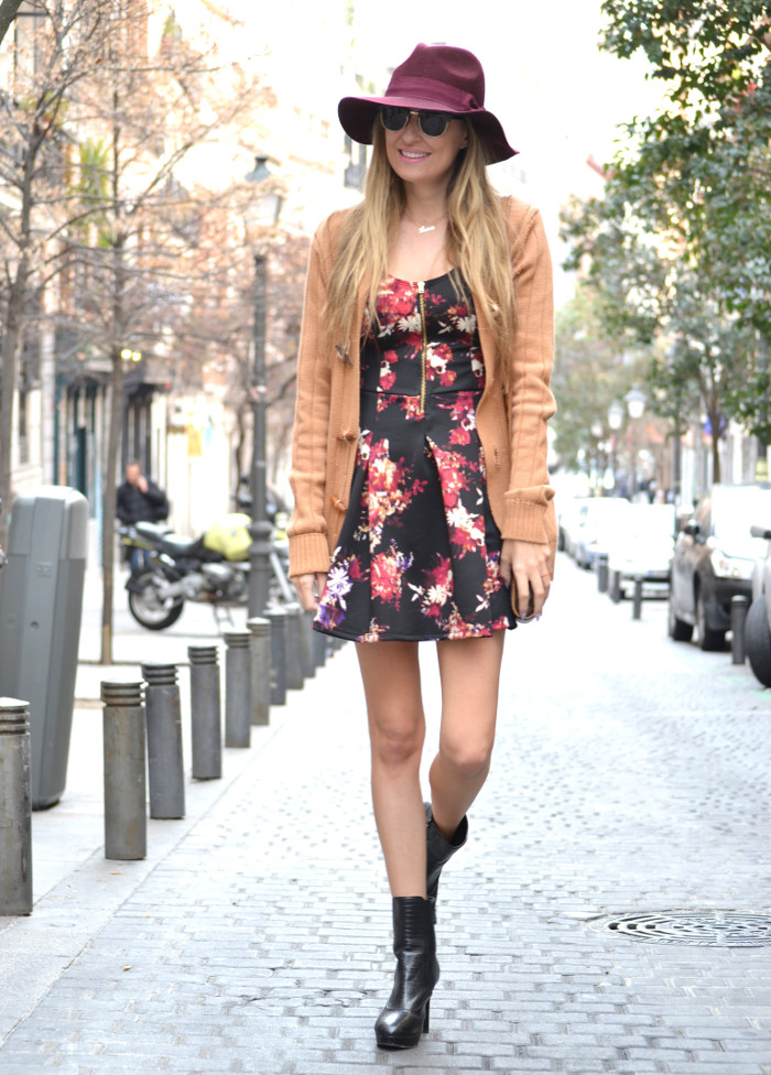 Flowers_Dress_Hat_Lavand_Booties_Cardigan_Pochette_Eva_Louis_Vuitton_Bymyheels (10)