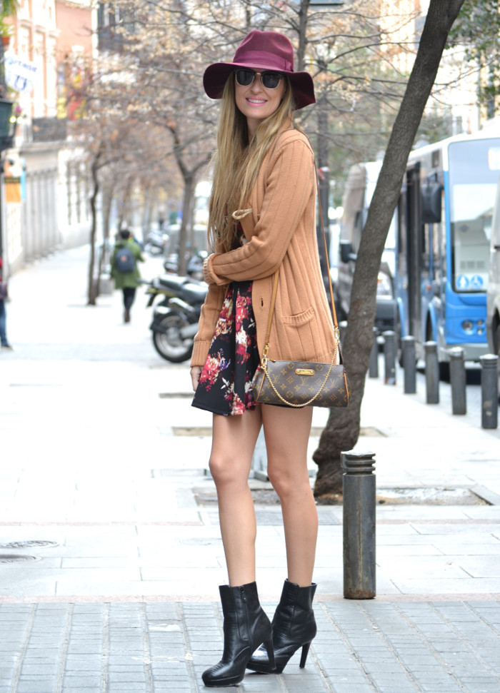 Flowers_Dress_Hat_Lavand_Booties_Cardigan_Pochette_Eva_Louis_Vuitton_Bymyheels (6)