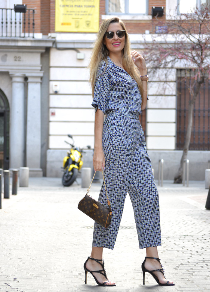 Jumpsuit_Ray_Ban_Clubmaster_Guess_Sandals_HM_Lara_Martin_Gilarranz_Bymyheels (6)