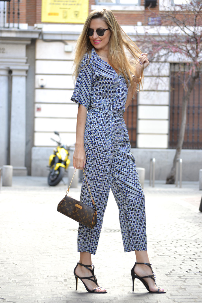 Jumpsuit_Ray_Ban_Clubmaster_Guess_Sandals_HM_Lara_Martin_Gilarranz_Bymyheels (7)
