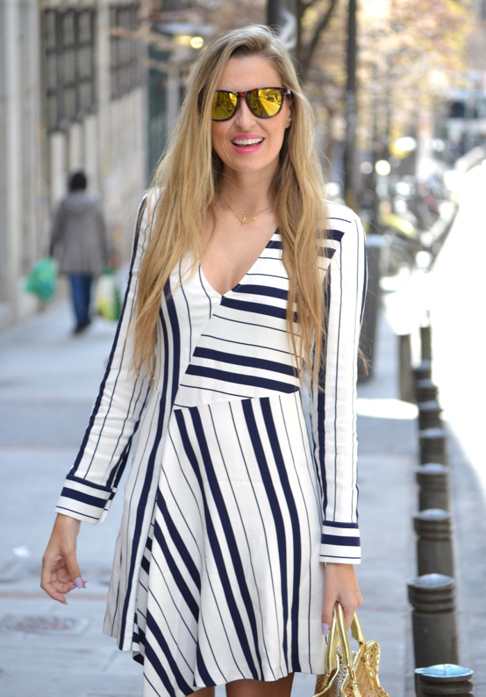 Vestido_Rayas_Dress_Amazona_Loewe_Lara_Martin_Gilarranz_Bymyheels (3)