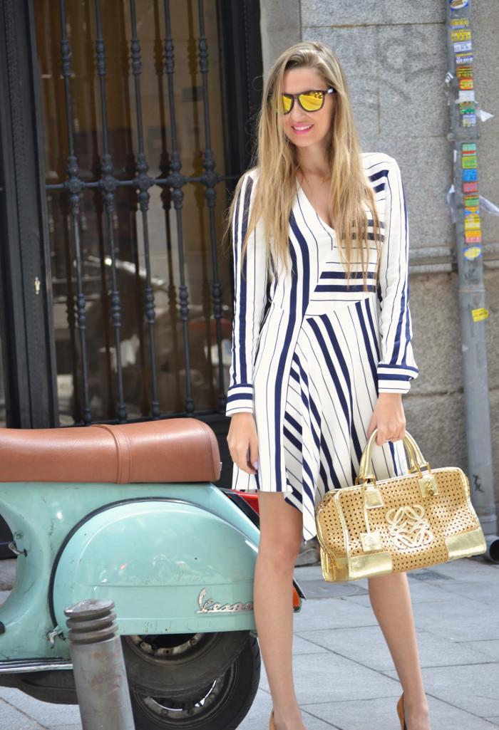 Vestido_Rayas_Dress_Amazona_Loewe_Lara_Martin_Gilarranz_Bymyheels (8)