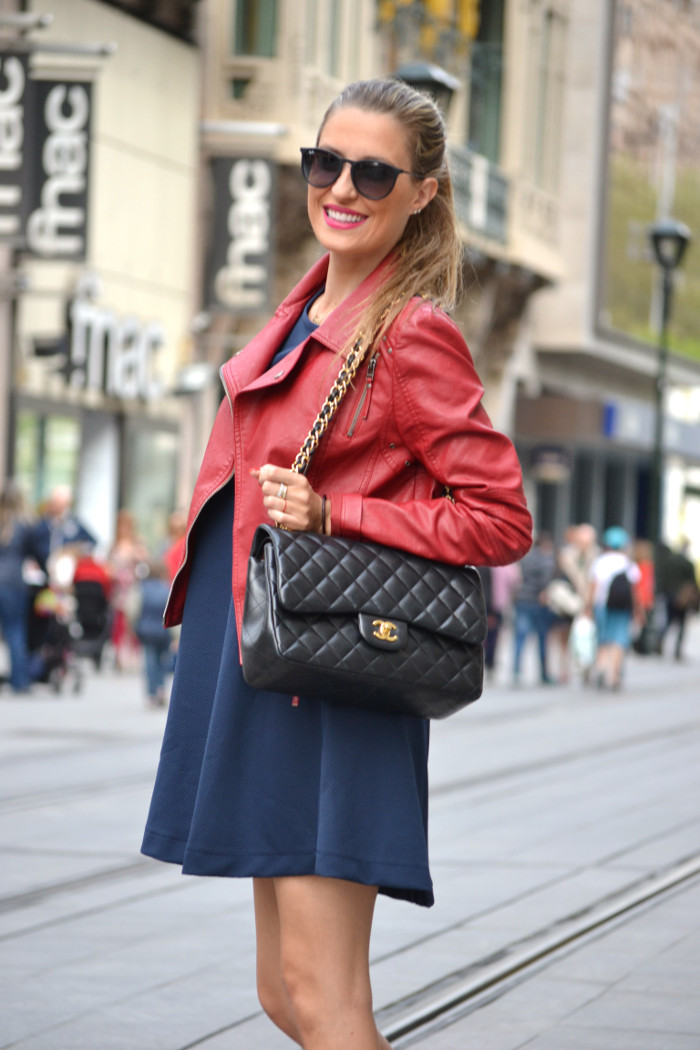 Blue_Dress_Venca_Ray_Ban_Guess_Denim_Jacket_Perfecto_Jacket_Boots_Jumbo_Chanel_Lara_Martin_Gilarranz_Bymyheels (13)