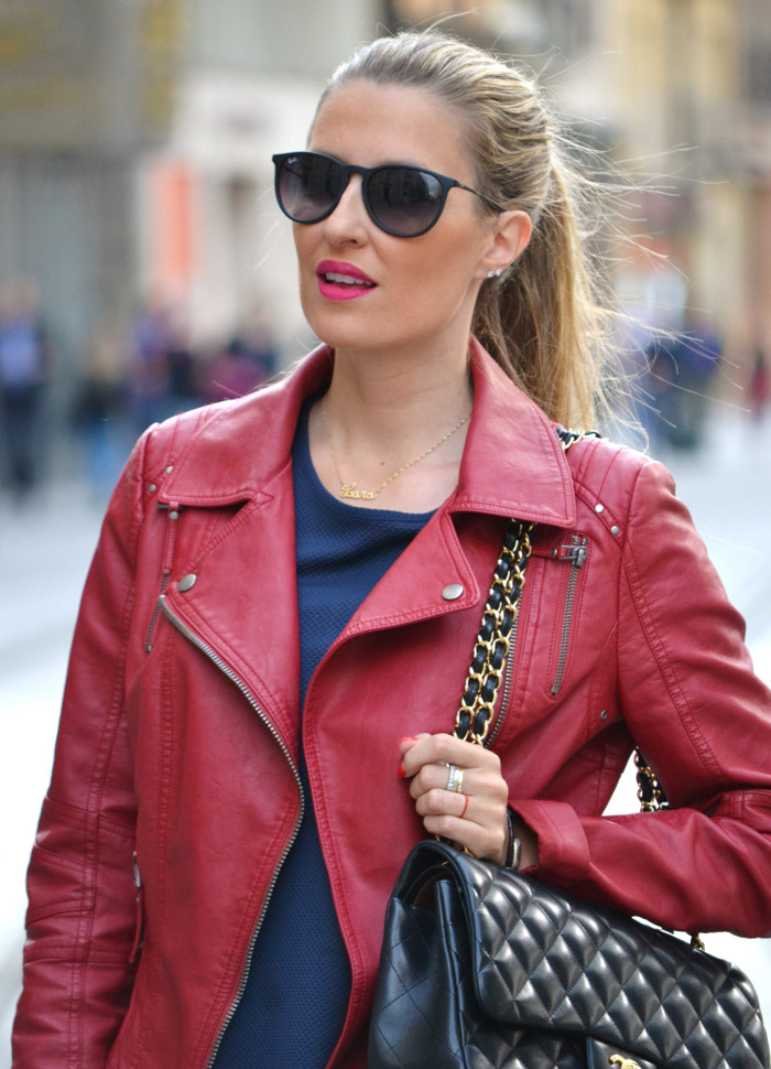 Blue_Dress_Venca_Ray_Ban_Guess_Denim_Jacket_Perfecto_Jacket_Boots_Jumbo_Chanel_Lara_Martin_Gilarranz_Bymyheels (2)