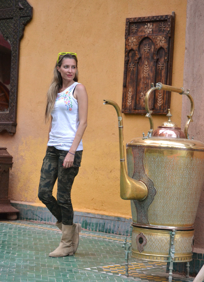 Camo_Pants_Booties_Venca_Bymyheels_Lara_Martin_Gilarranz_Tank_Top_Zagora_Marruecos_Rally_Solidario (3)