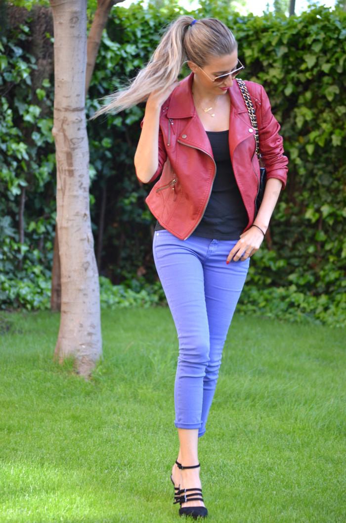 Jeans_Capri_Primark_Zara_Jumbo_Chanel_Guess_Leather_Perfecto_Jacket_Lara_Martin_Gilarranz_Bymyheels (13)