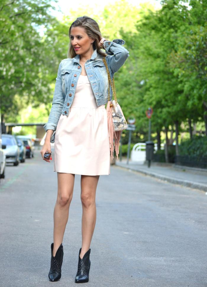 Pink_Leather_Dress_Denim_Jacket_Guess_Boots_Urban_Vicart_Lara_Martin_Gilarranz_Bymyheels (10)