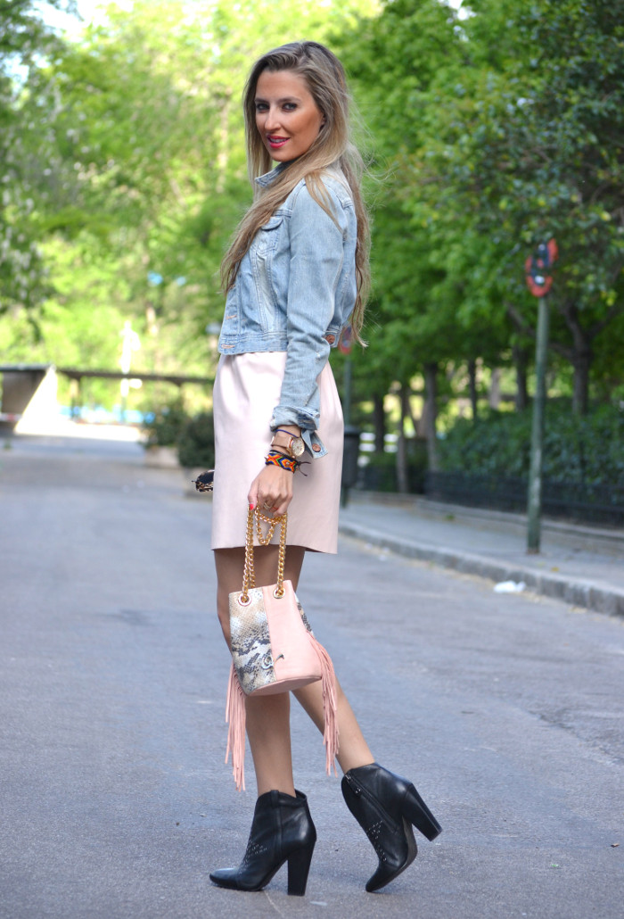 Pink_Leather_Dress_Denim_Jacket_Guess_Boots_Urban_Vicart_Lara_Martin_Gilarranz_Bymyheels (13)