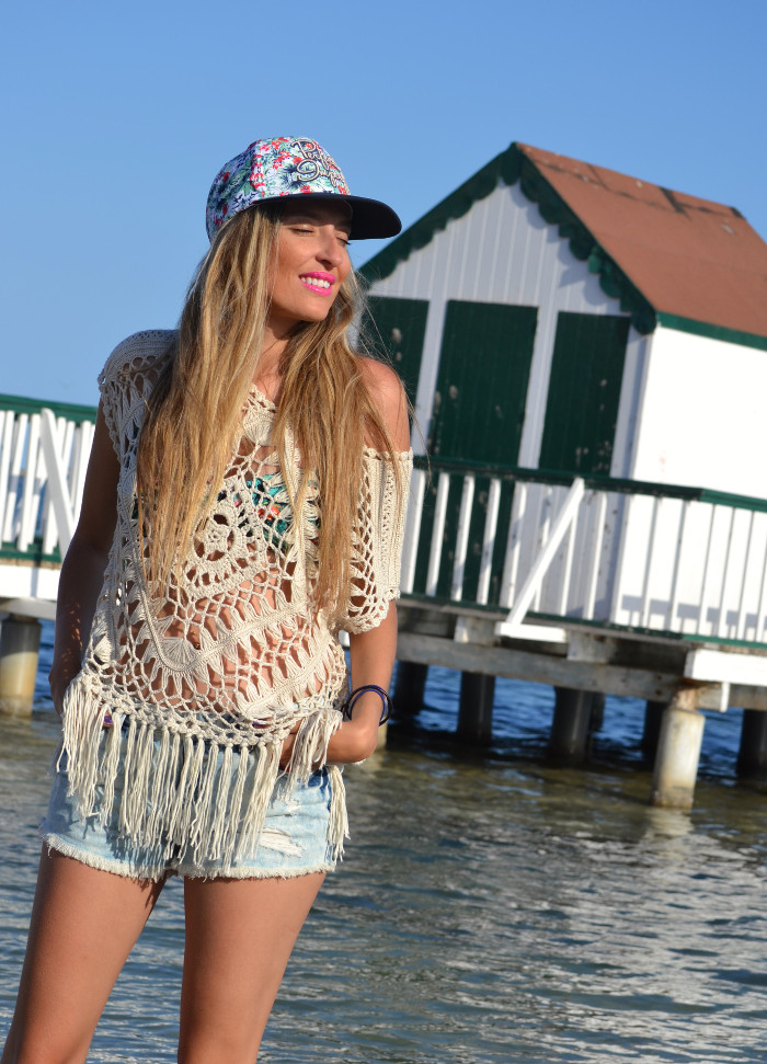 C&A_Crochet_Denim_Shorts_Flowers_Print_Cap_Beach_Fun_Lara_Martin_Gilarranz_Bymyheels (1)