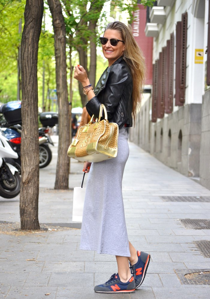 Loewe_Bag_Amazona_New_Balance_Long_Skirt_Leather_Perfecto_Jacket_Clubmaster_Lara_Martin_Gilarranz_Bymyheels (1)