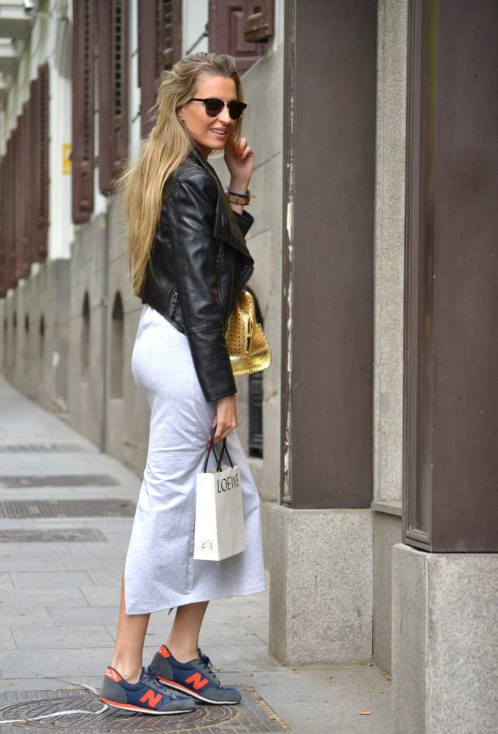 Loewe_Bag_Amazona_New_Balance_Long_Skirt_Leather_Perfecto_Jacket_Clubmaster_Lara_Martin_Gilarranz_Bymyheels (9)