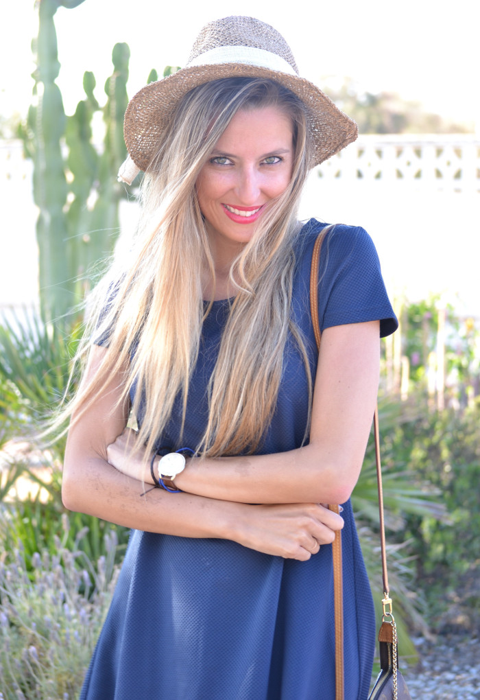 Sunset_Hat_Blue_Dress_Sandalias_Plataforma_Louis_Vuitton_Lara_Martin_Gilarranz_Bymyheels (10)