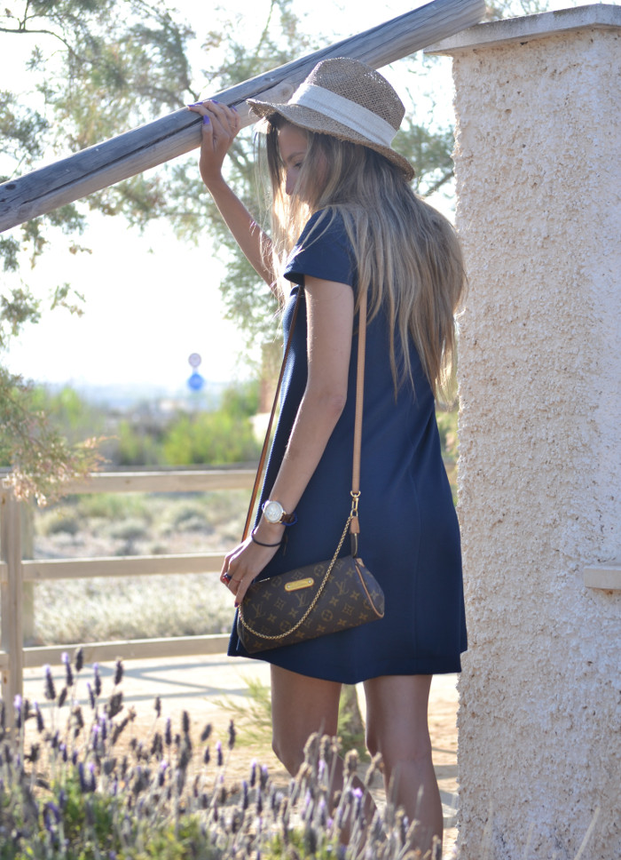Sunset_Hat_Blue_Dress_Sandalias_Plataforma_Louis_Vuitton_Lara_Martin_Gilarranz_Bymyheels (3)