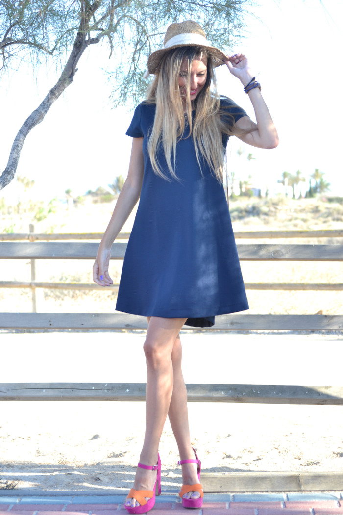 Sunset_Hat_Blue_Dress_Sandalias_Plataforma_Louis_Vuitton_Lara_Martin_Gilarranz_Bymyheels (5)