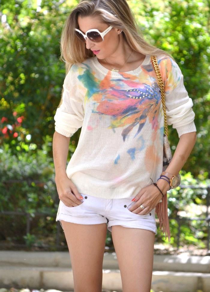 White_Shorts_Smash_Urban_Vicart_Miu_Miu_Sunnies_Lara_Martin_Gilarranz_Bymyheels (1)