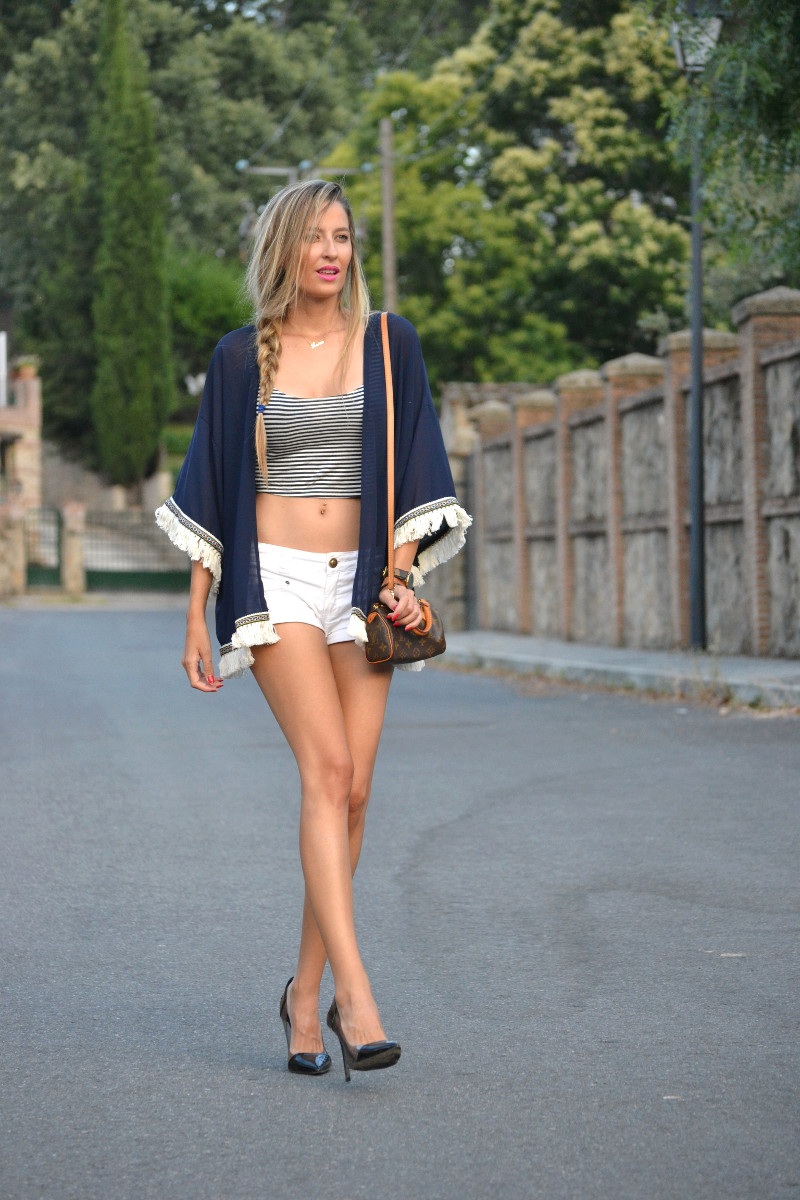 Fringes_Caftan_Crop_Top_Shorts_Stilettos_Louis_Vuitton_Lara_Martin_Gilarranz_Bymyheels (8)