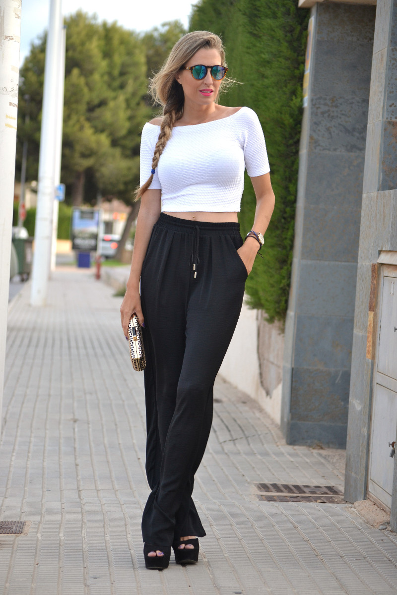 Palazzo pants outfit in black and white
