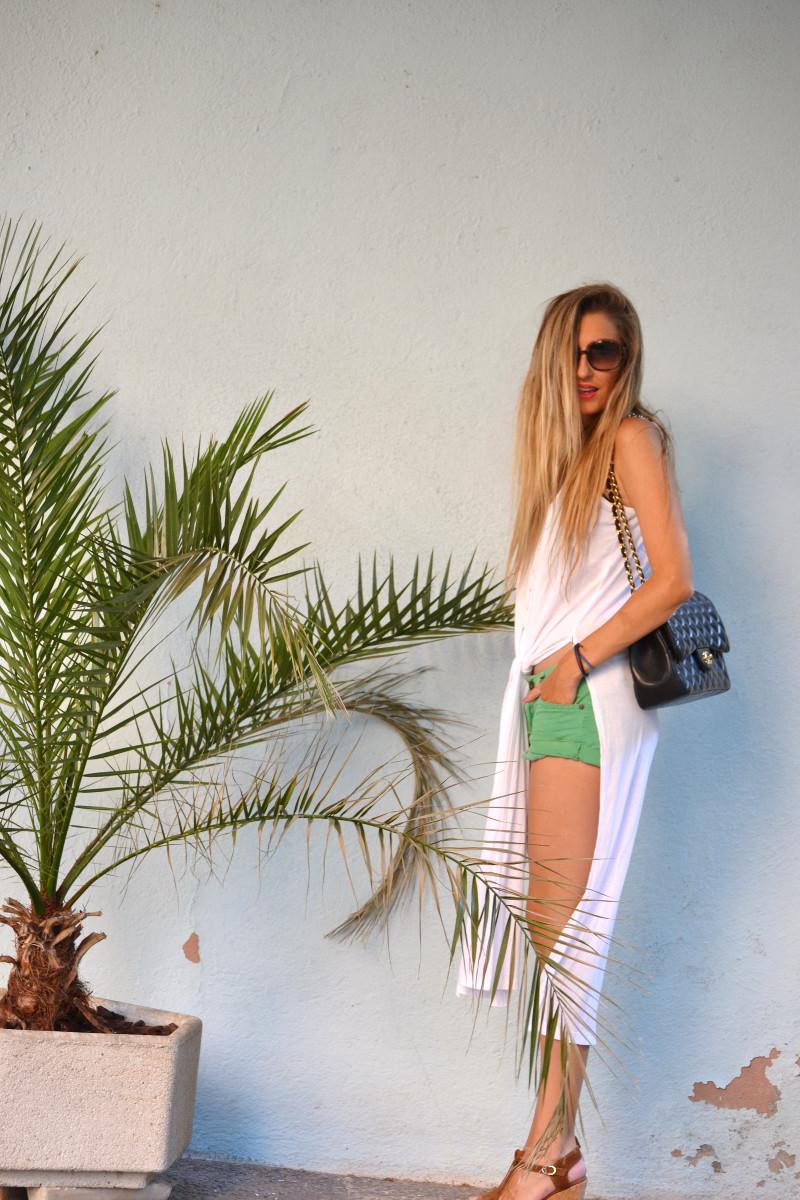 Shorts_Caftan_Platforms_Just_Cavalli_Chanel_Lara_Martin_Gilarranz_Bymyheels (1)