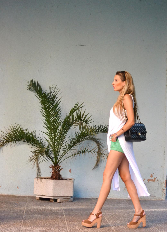 Shorts_Caftan_Platforms_Just_Cavalli_Chanel_Lara_Martin_Gilarranz_Bymyheels (11)