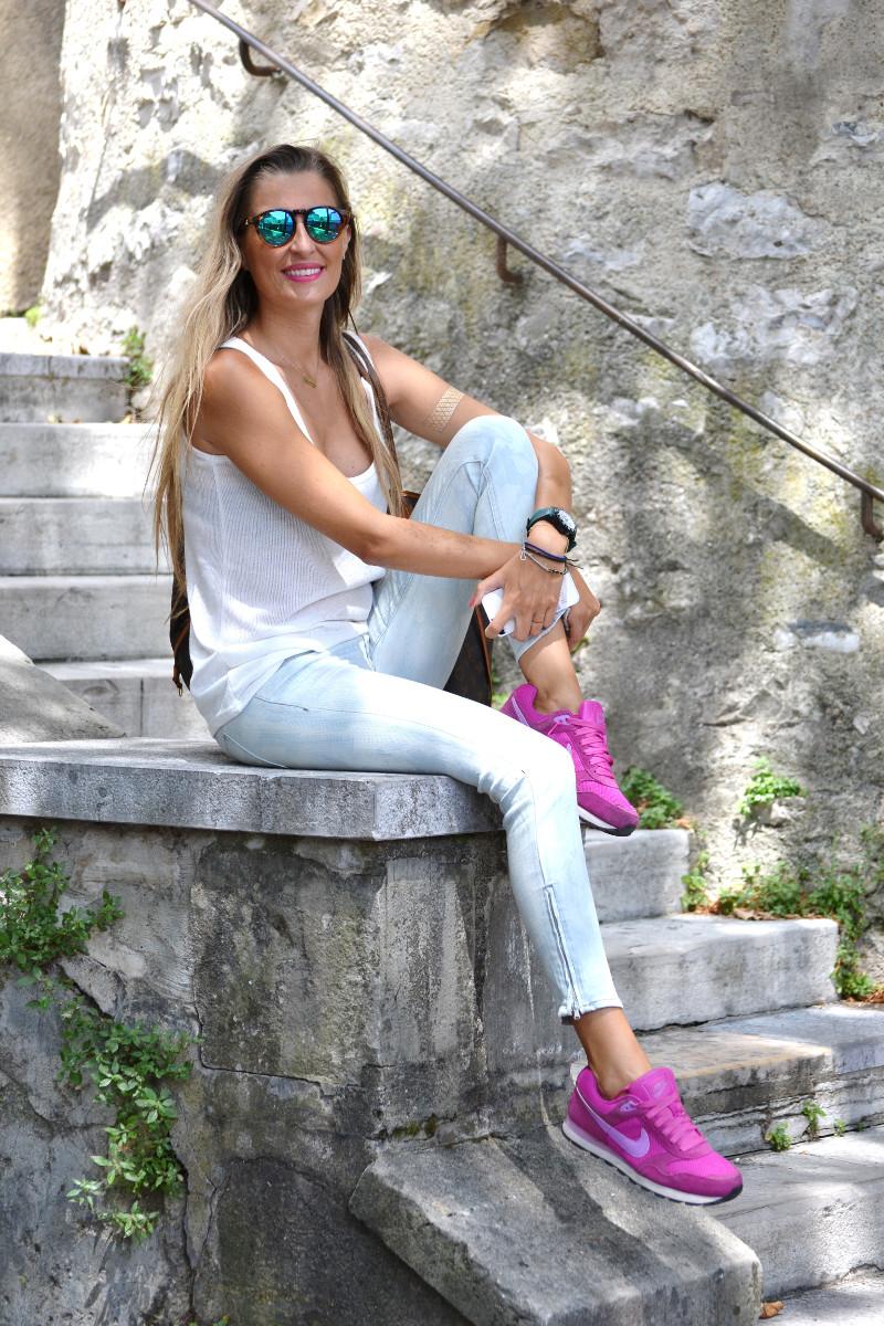 Capri_Pants_Bayona_Tank_Top_Nike_Neverfull_Louis_Vuitton_Bymyheels (12)