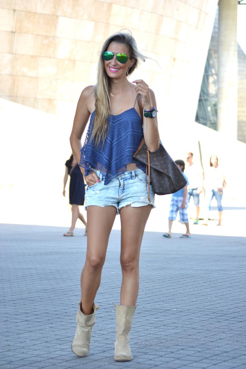 Guggenheim_Bilbao_Estilismo_Outfit_Louis_Vuitton_Lara_Martin_Gilarranz_Bymyheels (4)