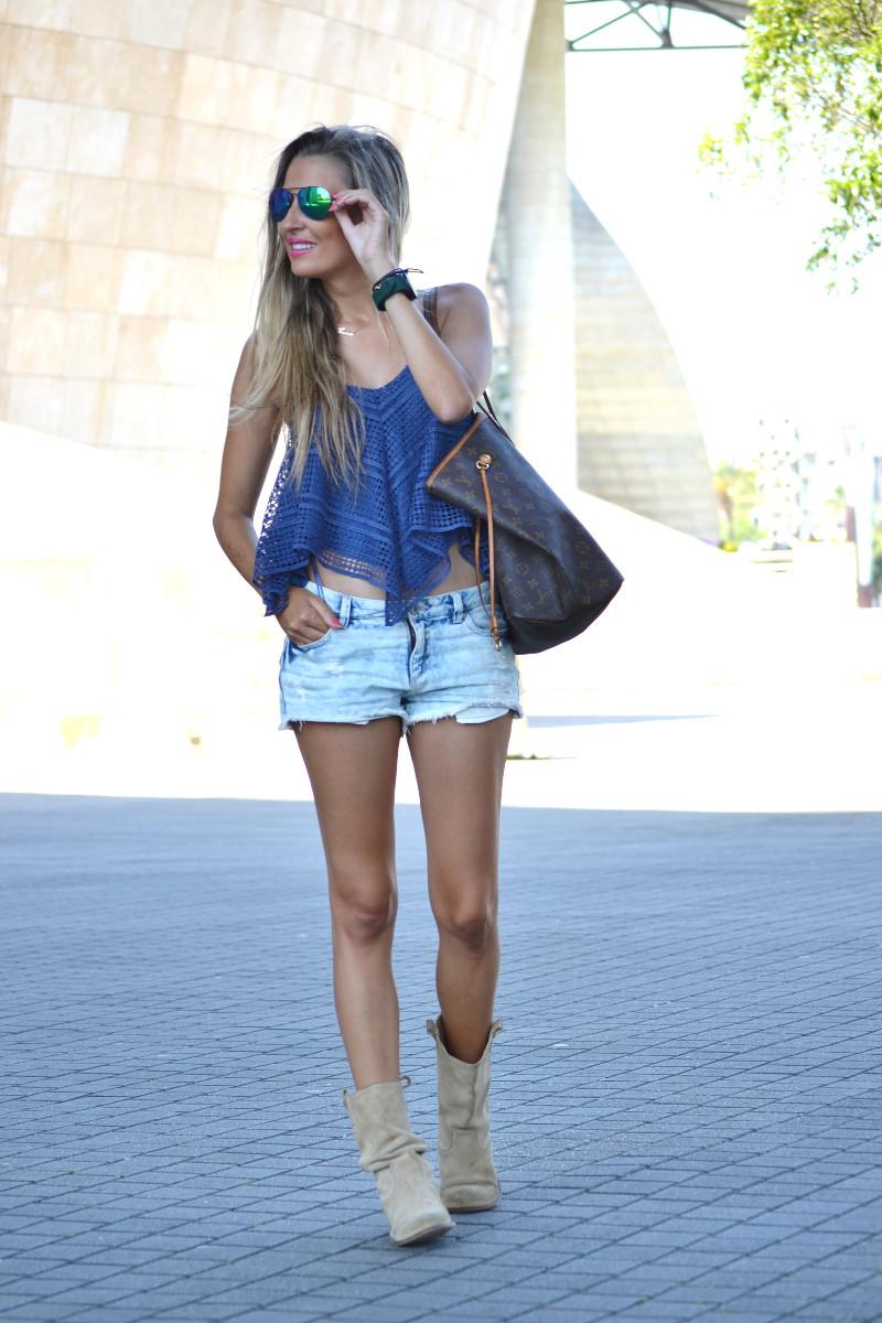 Guggenheim_Bilbao_Estilismo_Outfit_Louis_Vuitton_Lara_Martin_Gilarranz_Bymyheels (5)