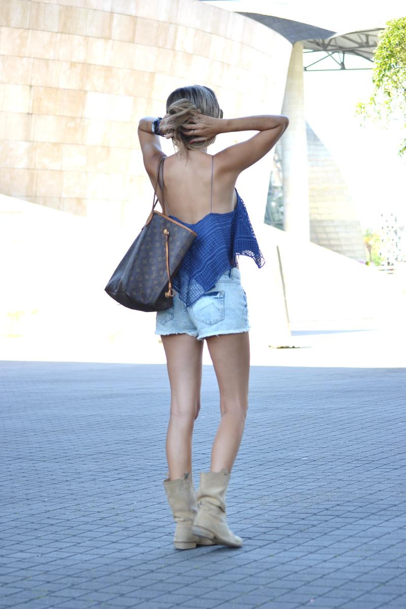 Guggenheim_Bilbao_Estilismo_Outfit_Louis_Vuitton_Lara_Martin_Gilarranz_Bymyheels (6)