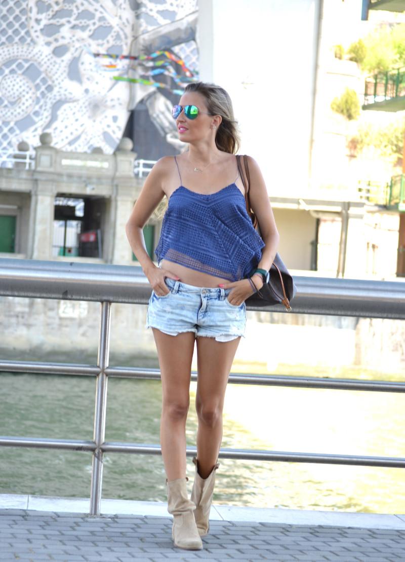Guggenheim_Bilbao_Estilismo_Outfit_Louis_Vuitton_Lara_Martin_Gilarranz_Bymyheels (7)
