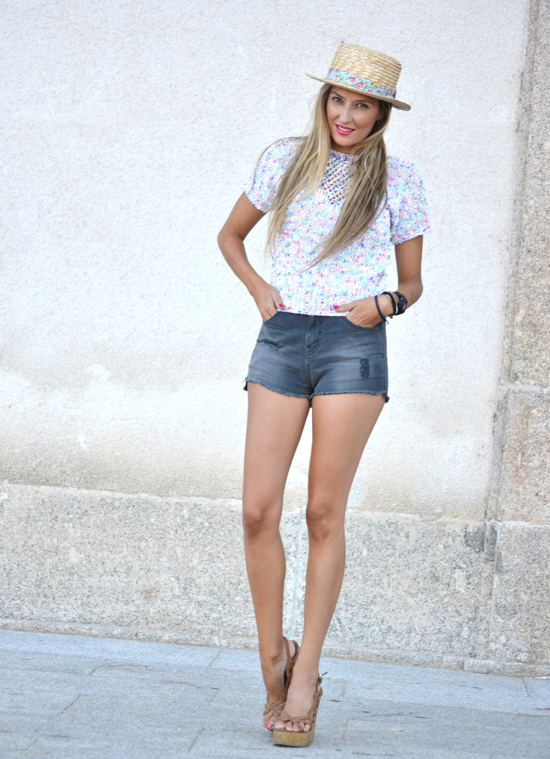 High_Waited_Shorts_Eleven_Paris_Canotier_Mini_Pull_Platforms_Baby_G_Lara_Martin_Gilarranz_Bymyheels (3)