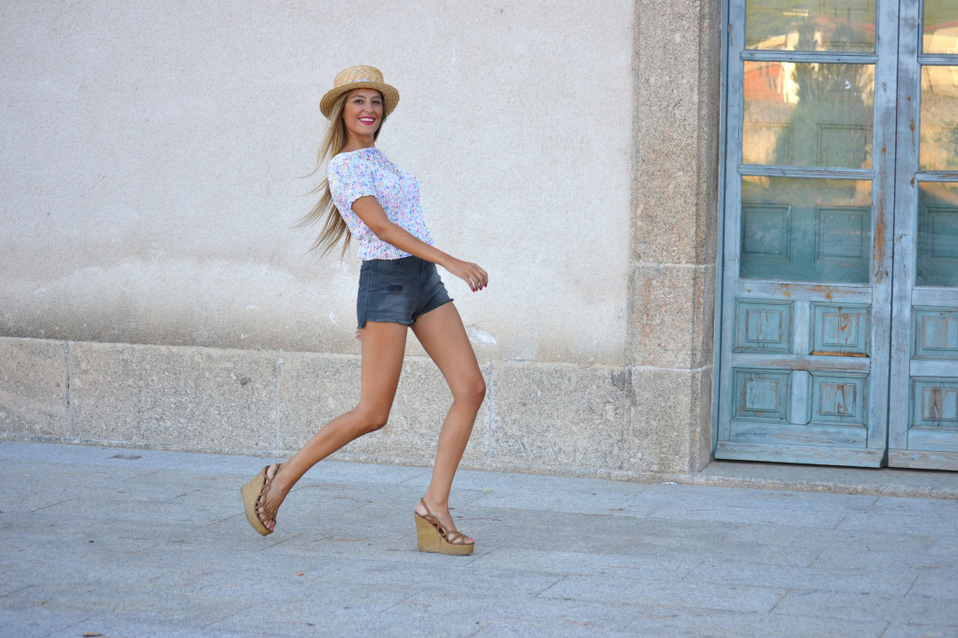 High_Waited_Shorts_Eleven_Paris_Canotier_Mini_Pull_Platforms_Baby_G_Lara_Martin_Gilarranz_Bymyheels (7)