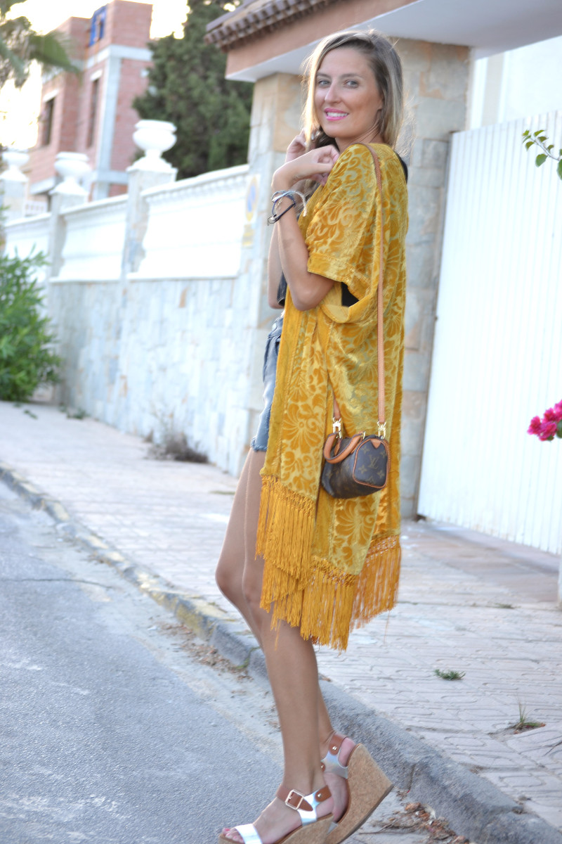 Poncho_Fringes_Mini_Speedy_Louis_Vuitton_Eleven_Paris_Crop_Top_Lara_Martin_Gilarranz_Bymyheels (3)