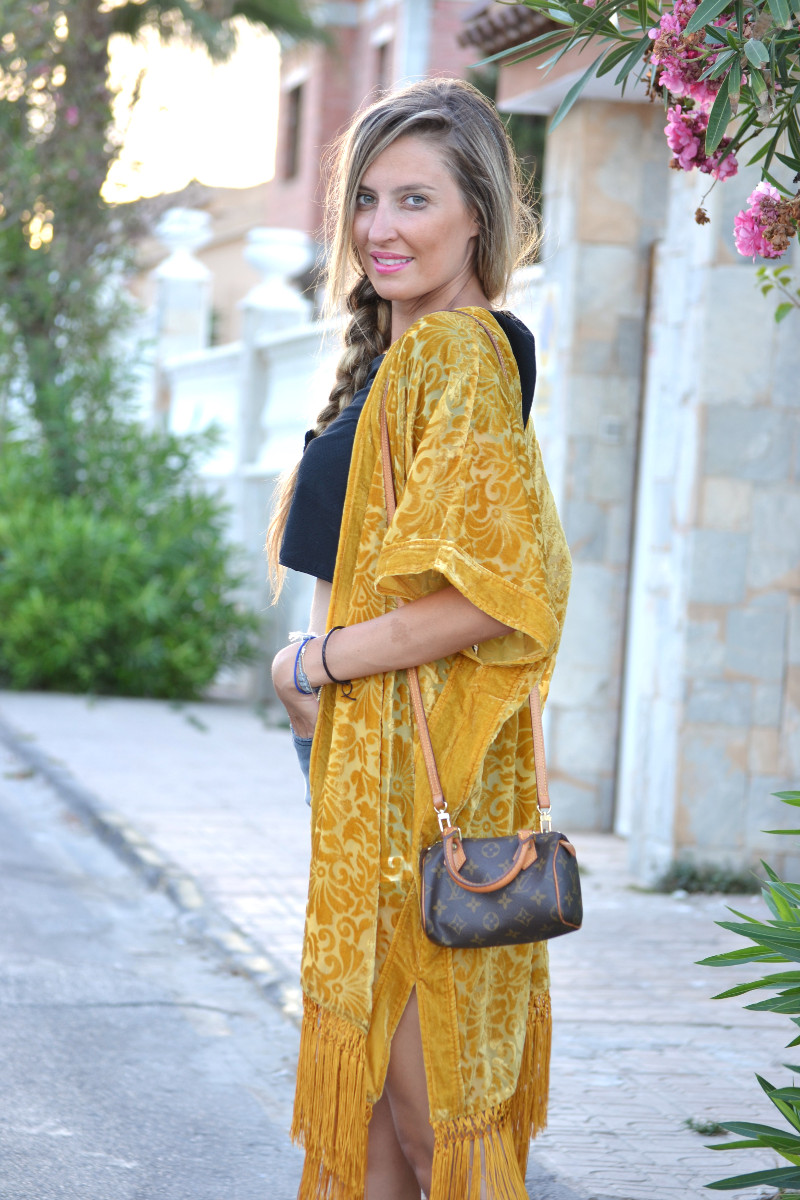 Poncho_Fringes_Mini_Speedy_Louis_Vuitton_Eleven_Paris_Crop_Top_Lara_Martin_Gilarranz_Bymyheels (7)