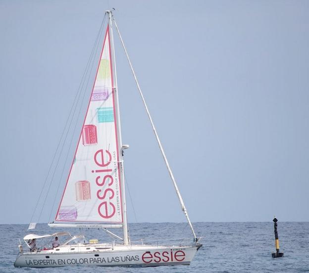 Esmaltes essie y un velero este verano -