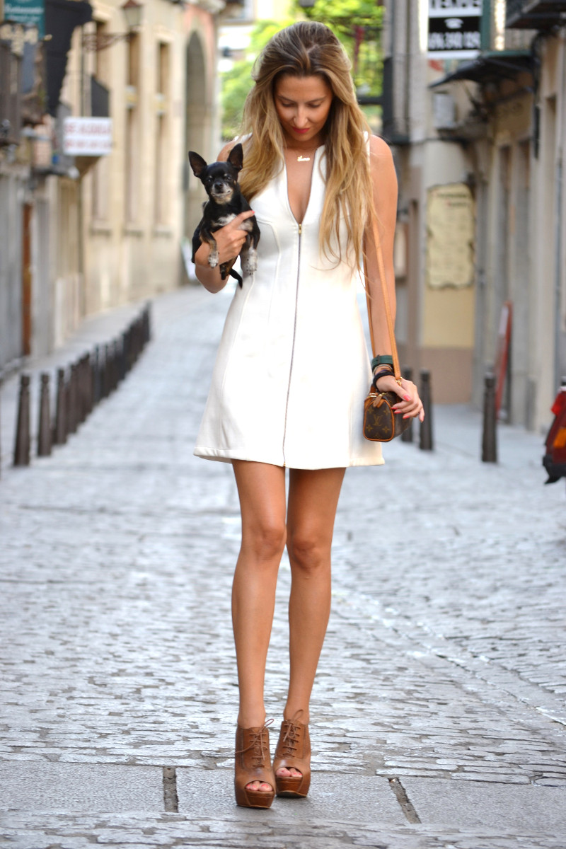 Vestido_Cremallera_White_Dress_Platforms_Zara_Louis_Vuitton_Chihuahua_Dallas_Lara_Martin_Gilarranz_Bymyheels (3)