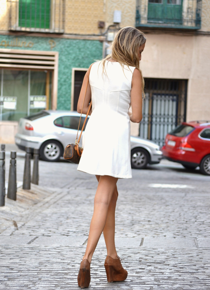 Vestido_Cremallera_White_Dress_Platforms_Zara_Louis_Vuitton_Chihuahua_Dallas_Lara_Martin_Gilarranz_Bymyheels (7)