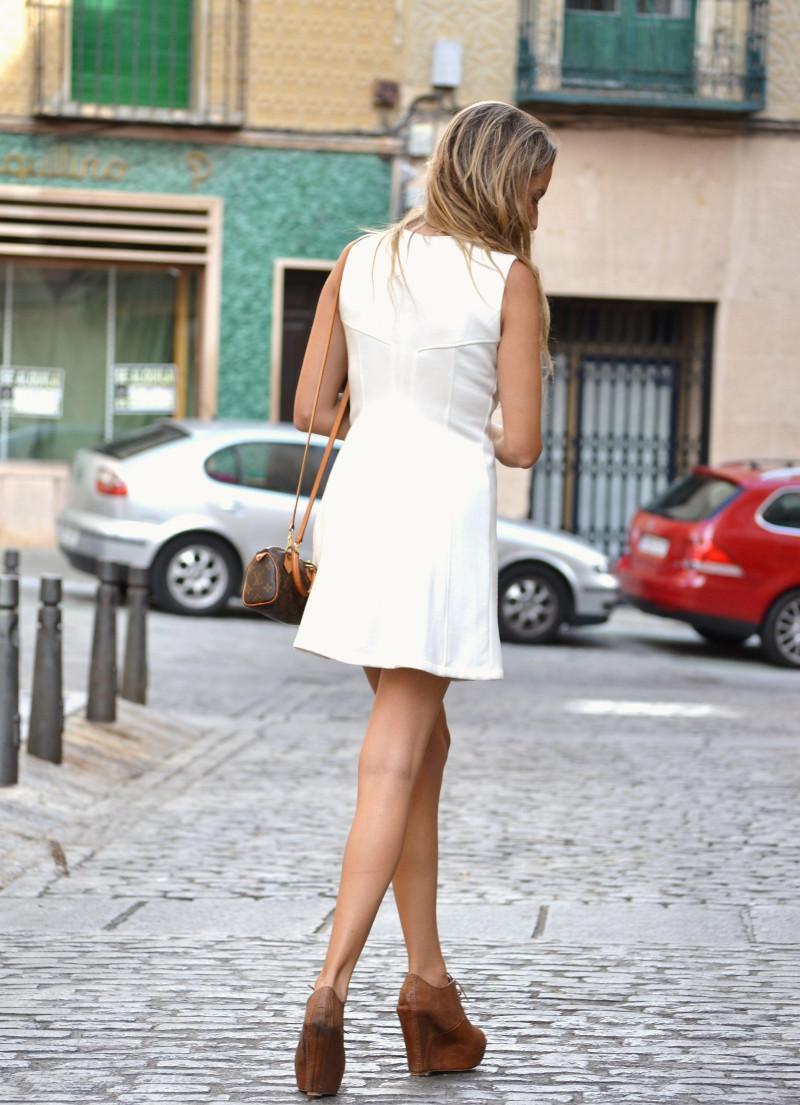 Vestido_Cremallera_White_Dress_Platforms_Zara_Louis_Vuitton_Chihuahua_Dallas_Lara_Martin_Gilarranz_Bymyheels (7)