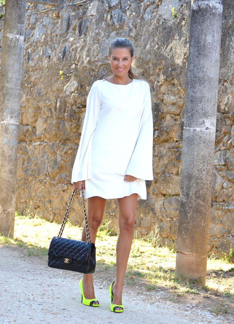 White_Dress_Back_Fluor_Versace_Jumbo_Chanel_Lara_Martin_Gilarranz_Bymyheels (2)