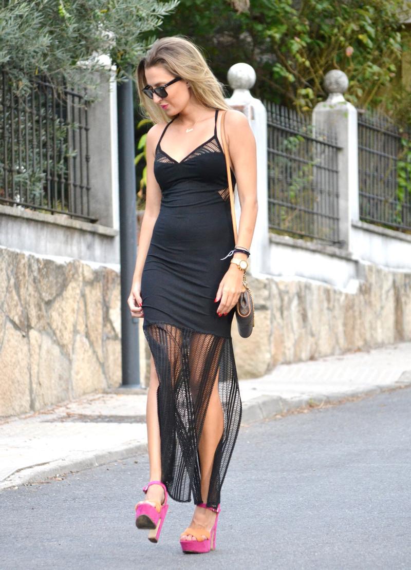 Long_Dress_Black_Pink_Sandals_Louis_Vuitton_Wayfarer_Ray_Ban_Lara_Martin_Gilarranz_Bymyheels (3)
