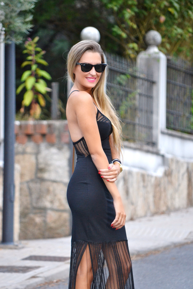 Long_Dress_Black_Pink_Sandals_Louis_Vuitton_Wayfarer_Ray_Ban_Lara_Martin_Gilarranz_Bymyheels (5)