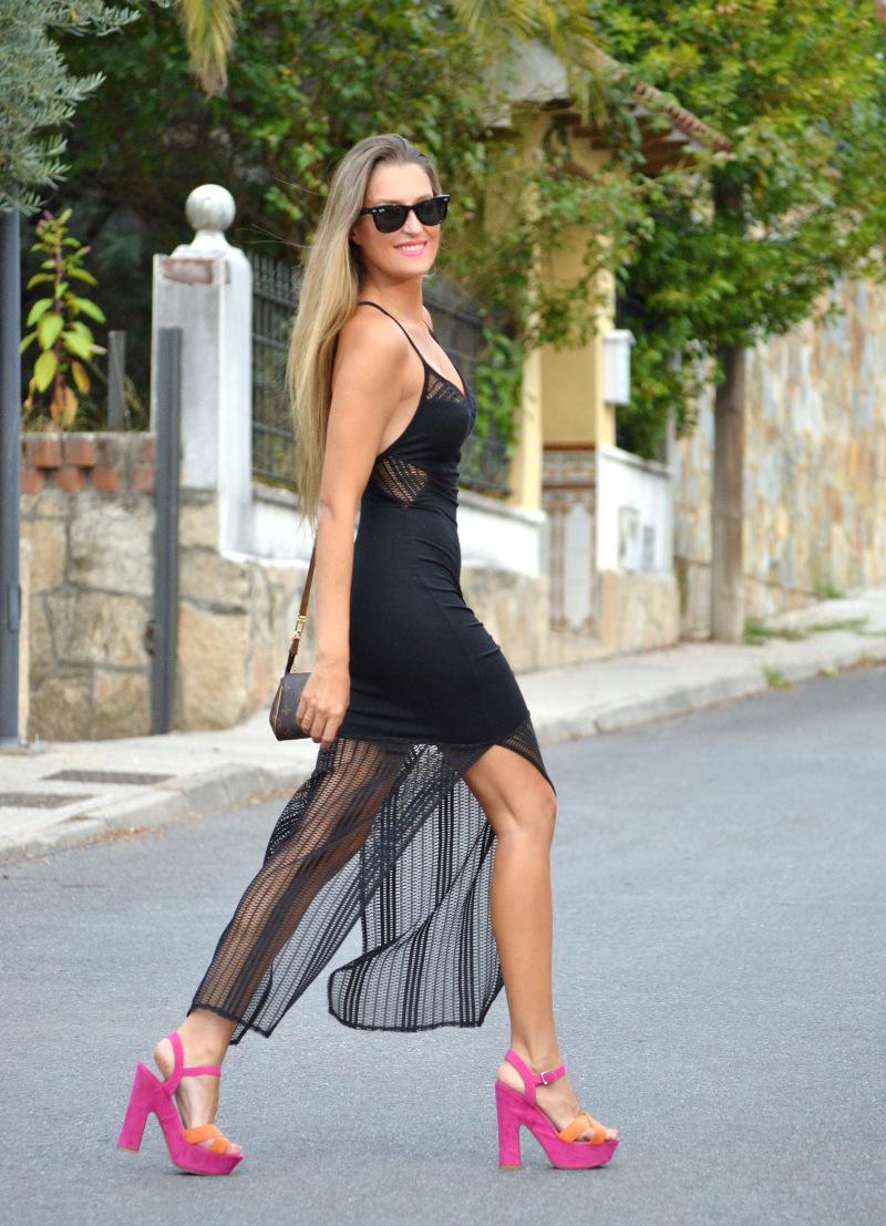Long_Dress_Black_Pink_Sandals_Louis_Vuitton_Wayfarer_Ray_Ban_Lara_Martin_Gilarranz_Bymyheels (7)