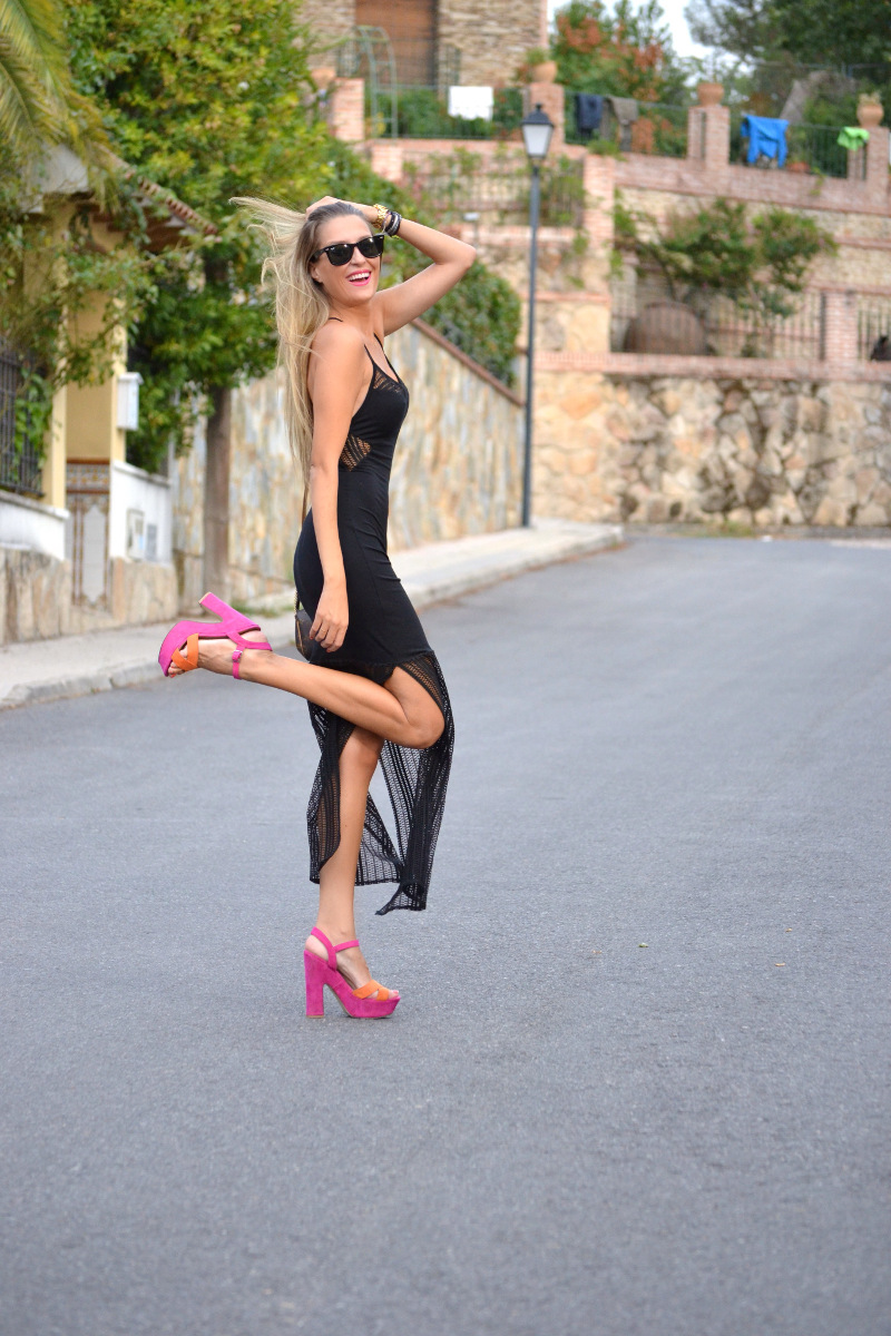 Long_Dress_Black_Pink_Sandals_Louis_Vuitton_Wayfarer_Ray_Ban_Lara_Martin_Gilarranz_Bymyheels (8)