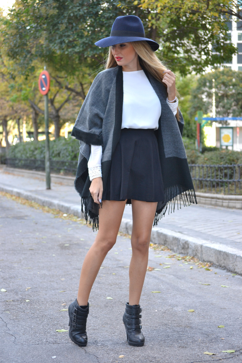 C&A_Tota_Look_Skirt_Cape_Poncho_Hat_Booties_Lara_Martin_Gilarranz_Bymyheels (6)