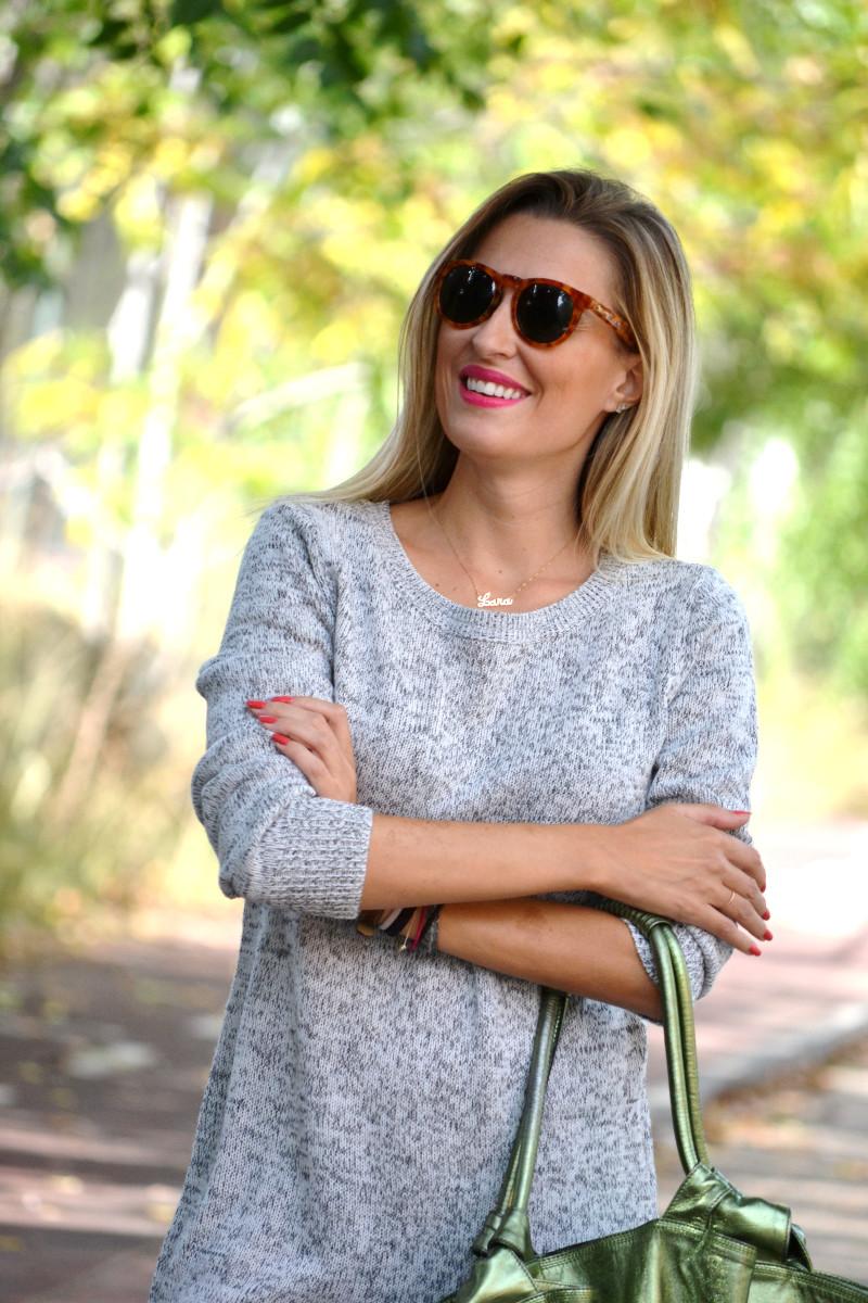 Oversized_Sweater_Dress_Fringed_Booties_Aire_Loewe_Wolfnoir_Lara_Martin_Gilarranz_El_armario_De_La_Tele_Bymyheels (7)