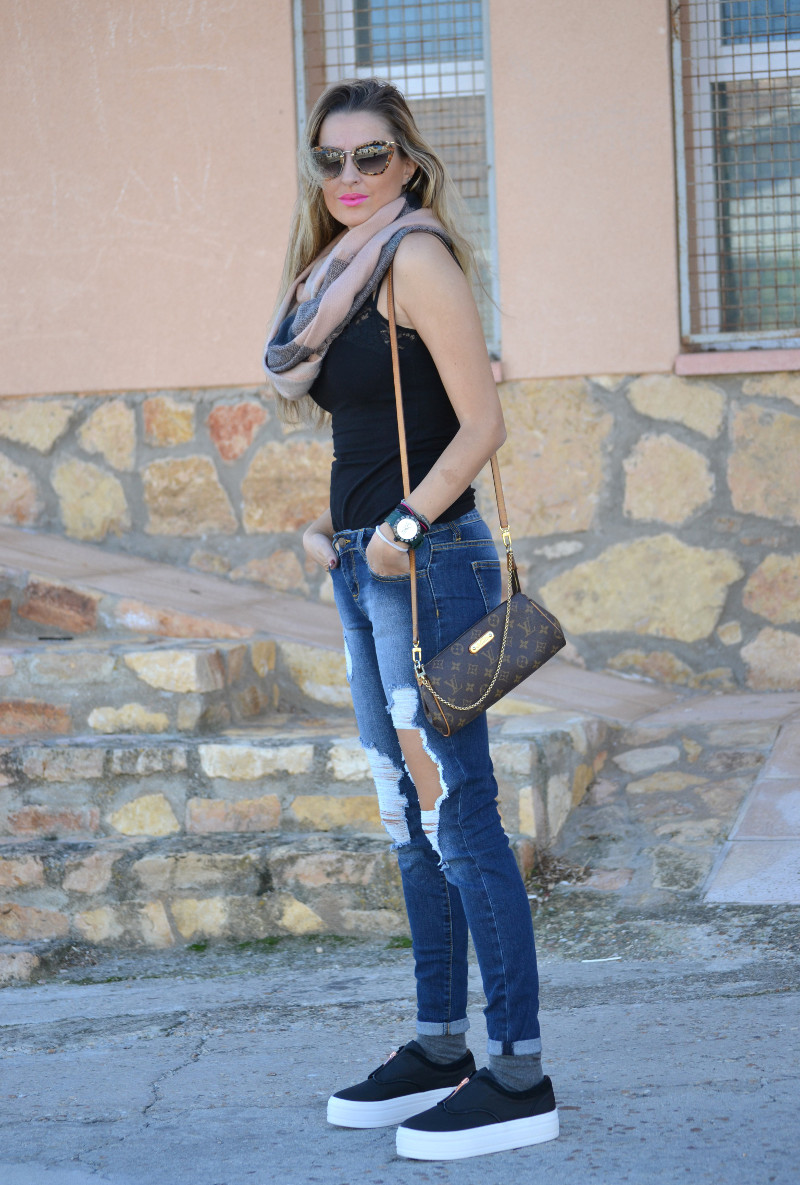 Brillantes_Y_Joyas_Eleven_Paris_Shoes_Cello_Jeans_Miu_Miu_Pochette_Eva_Louis_Vuitton_Lara_Martin_Gilarranz_Bymyheels (1)